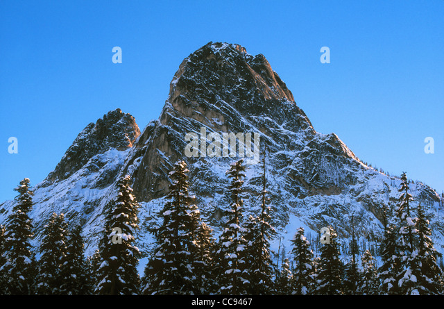 Liberty Bell Mountain from North Cascades Highway at Washington Pass; Okanogan National Forest, Washington. - Stock Image