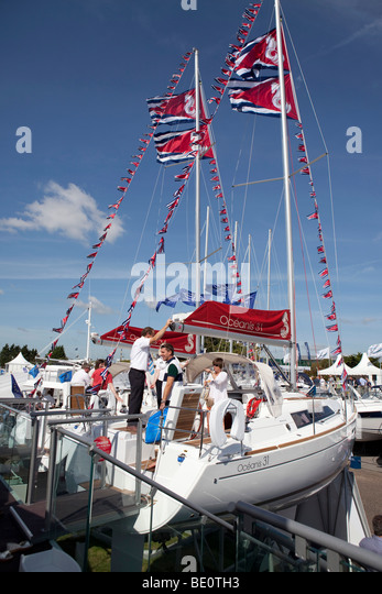 visitors at southampton boat show 2009 - Stock-Bilder