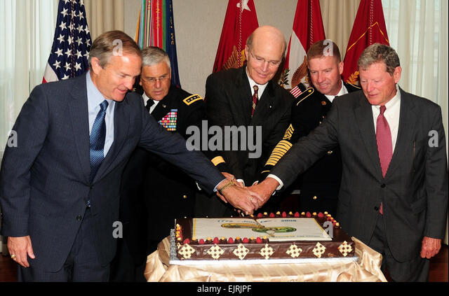 Army Birthday Celebrates Congressional Partnership  J.D. Leipold June 11, 2008  Army and Congressional leaders celebrated - Stock Image