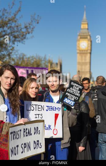 London, UK  26th April, 2016. 2-day junior doctors' strike begins. St Thomas' Hospital, London, UK. Copyright - Stock Image