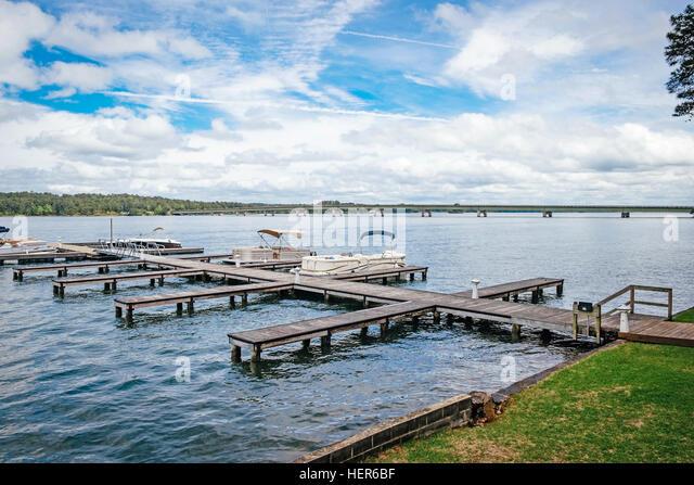 Boat docks on Lake Martin, Alabama. - Stock Image