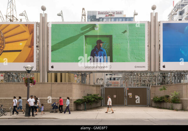iphone 6 s photography billboards, Toronto, Canada - Stock Image