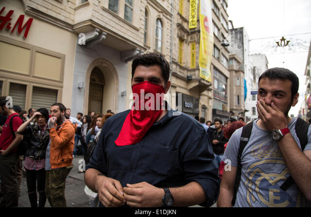 Istanbul, Turkey. 31st May, 2014. On the anniversary of Gezi Park protests of Summer 2013, thousands gather in Istiklal - Stock Image