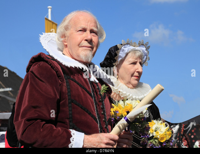 Shakespeare and Anne Hathaway at the annual Birthday Memorial Parade at Stratford upon Avon. - Stock Image