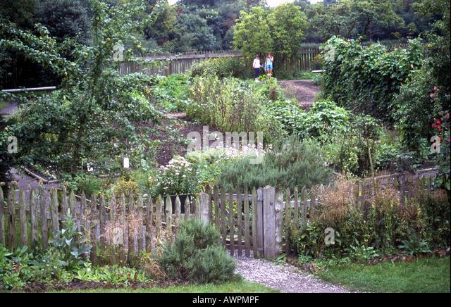 Landscape Gardening Apprenticeships : Child labour th century britain stock photos