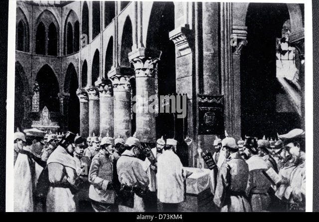 Jewish soldiers at Military Yom Kippur synagogue service; World War I - Stock Image