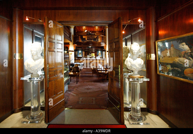 France Nice Promenade des Anglais Hotel Negresco interieur luxery bar - Stock Image