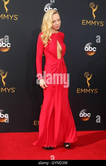 Los Angeles, CA, USA. 18th Sep, 2016. Portia Doubleday at arrivals for The 68th Annual Primetime Emmy Awards 2016 - Stock-Bilder