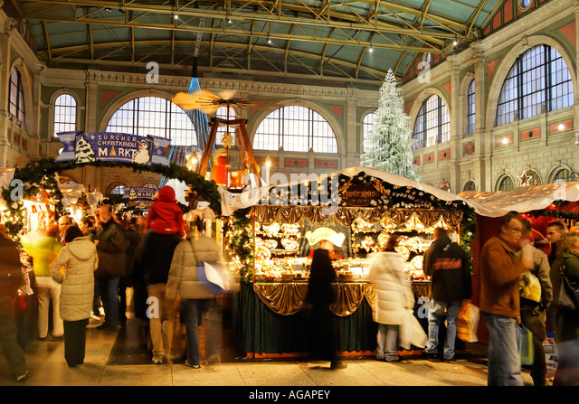 Zuerich main station christmas decoration interieur - Stock Image