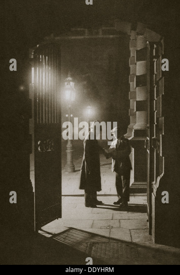 Scotland Yard in the early hours of the morning, the Embankment, London, 20th century. Artist: Unknown - Stock-Bilder