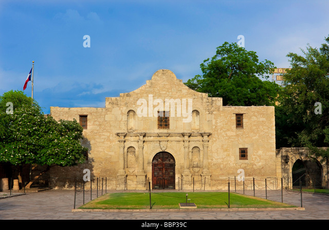 san antonio de valero About us established in 1718 as mission san antonio de valero, for over 300 years, the former mission now known as the alamo has been a crossroads of history.