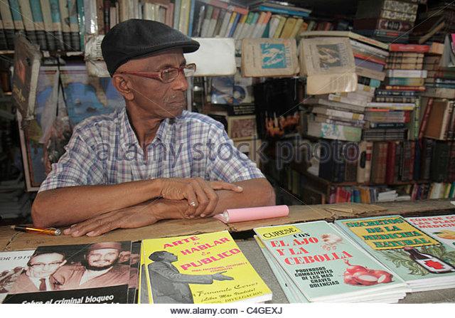 Santo Domingo Dominican Republic Ciudad Colonial Calle el Conde Peatonal Black bookstore business shelf shelves - Stock Image