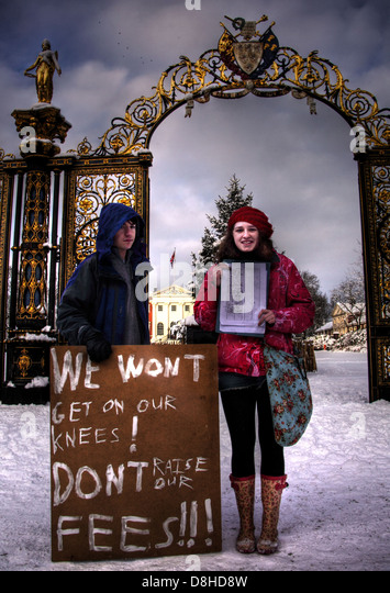 We wont get on our knees Dont raise our fees - Stock Image