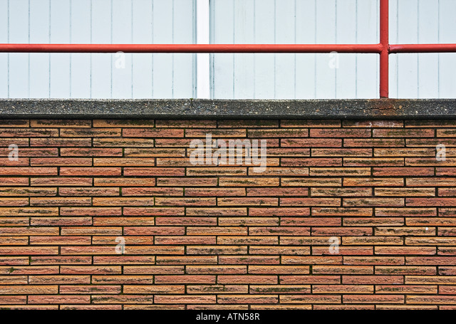 side of an apartment building - Stock-Bilder