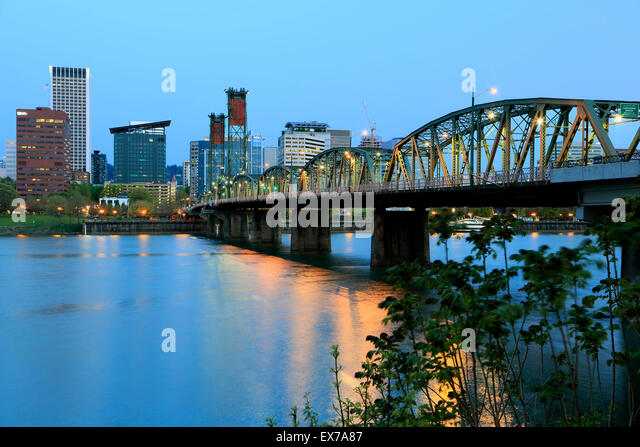 Skyline of Portland, Hawthorne Bridge and Willamette River, Portland, Oregon USA - Stock Image