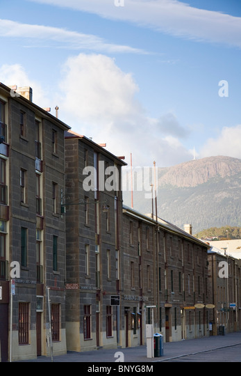 The colonial architecture of Salamanca Place with Mount Wellington behind. Hobart, Tasmania, AUSTRALIA - Stock Image