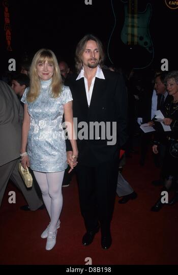 GLENNE HEADLY with husband at the SGT. BILKO premiere 1996.k4392fb.(Credit Image: © Fitzroy Barrett/Globe Photos/ZUMAPRESS.com) - Stock Image