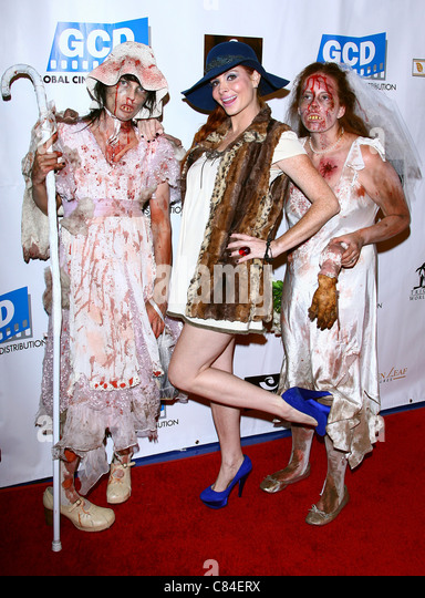 PHOEBE PRICE & ZOMBIES THE DEAD. LOS ANGELES PREMIERE. LOS ANGELES CALIFORNIA USA 04 October 2011 - Stock Image