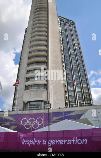 Park Lane, London, UK. 21st July 2012. The Hilton Park Lane Hotel is decorated with London 2012 Olympics flags and - Stock Image