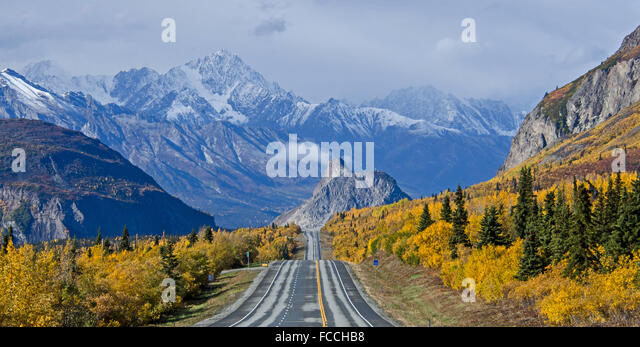 Heading towards Lion's Head along the Glenn Highway during the fall in Alaska - Stock Image