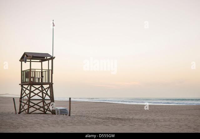 Lifeguard tower on beach - Stock Image