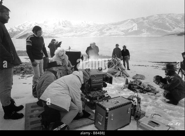 Sidney Pollack Sidney Pollack Sidney Pollack Robert Redford on the set of Tournage Jeremiah Johnson Année 1972 - Stock Image
