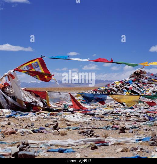 High Pass with Prayer Flags Tibet Asia - Stock-Bilder