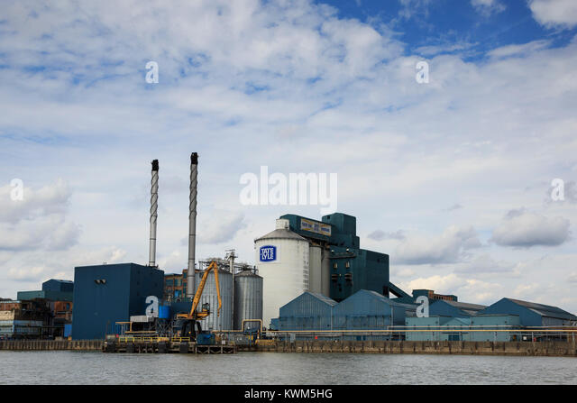 Tate & Lyle Thames Refinery, sugar refinery, in Silvertown, London, England, United Kingdom - Stock Image