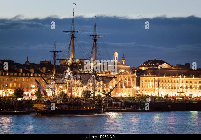 The replica of the frigate 'Hermione' moored alongside the quay, in Bordeaux (France). La frégate l'Hermione - Stock Image