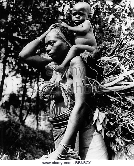 geography / travel, Democratic Republic of the Congo, people, woman with baby on her shoulder, 1950s, central Africa, - Stock-Bilder