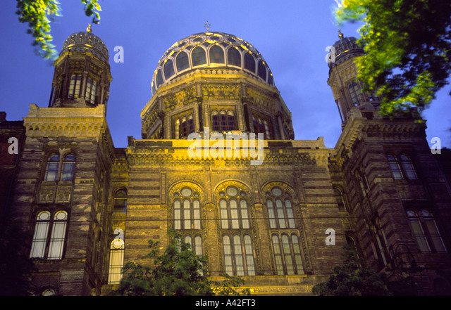 Berlin Jewish Synagogue Oranienburgerstreet at dawn - Stock Image