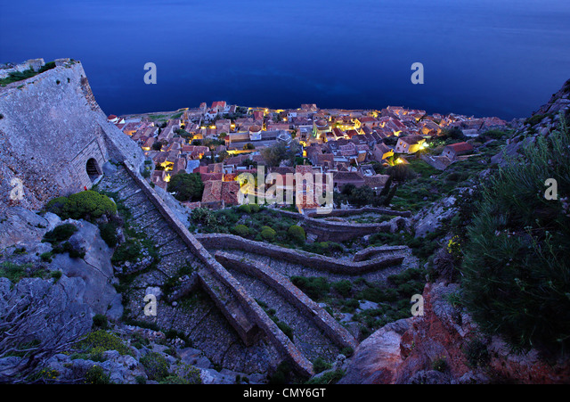Night view of the 'Lower Castle' of the 'castletown' of Monemvasia. Photo taken from the 'Upper - Stock-Bilder