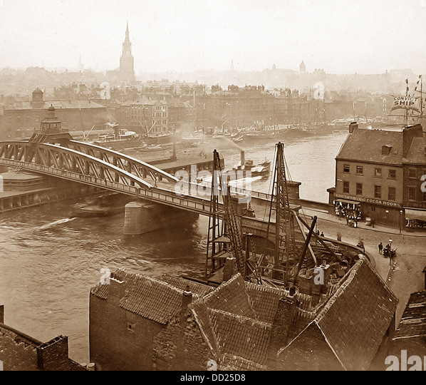 Newcastle-upon-Tyne Swing Bridge Victorian period - Stock Image
