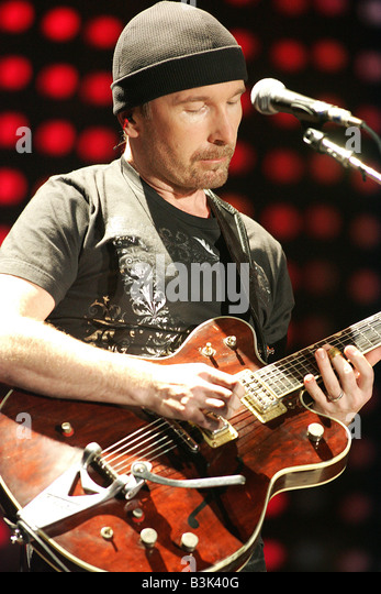 U2  Irish rock group with The Edge in 2005 - Stock Image