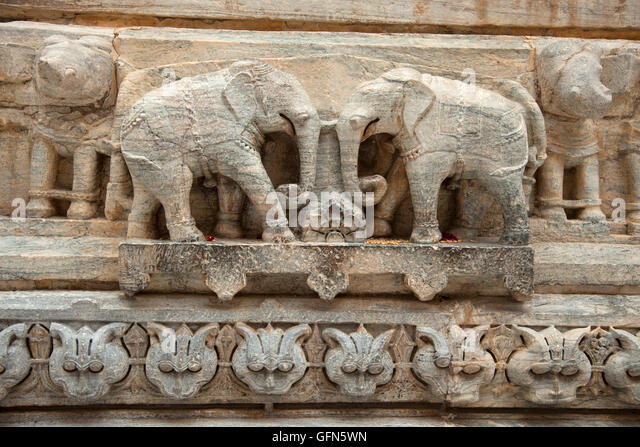 Two stone carvings of elephants are seen at the Jagdish Hindu Temple in Udaipur, Rajistan, India. - Stock Image