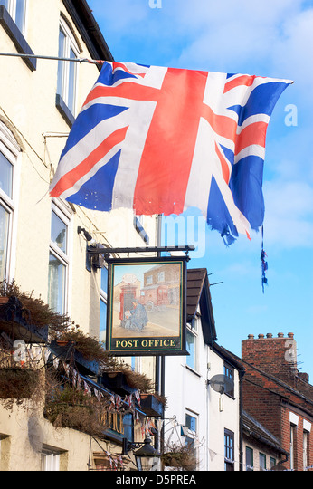 Salt Lamps Castle Court Belfast : Union Jack Flag Fluttering Stock Photos & Union Jack Flag Fluttering Stock Images - Alamy