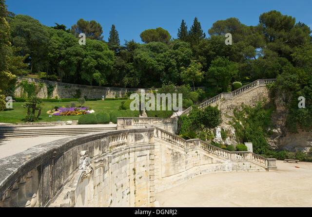 Nimes stock photos nimes stock images alamy - Jardin des fontaines nimes ...