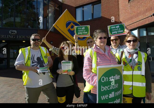 Exeter, Devon, UK. 10th July 2014. Public sector unions picket Exeter as part of a national strike for better pay - Stock Image