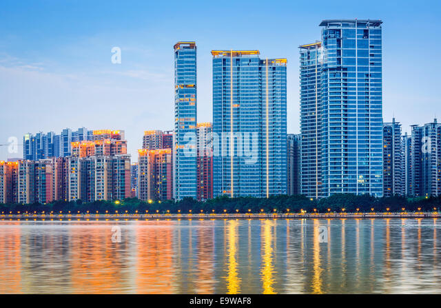 Guangzhou, China modern architecture along the Pearl River. - Stock-Bilder