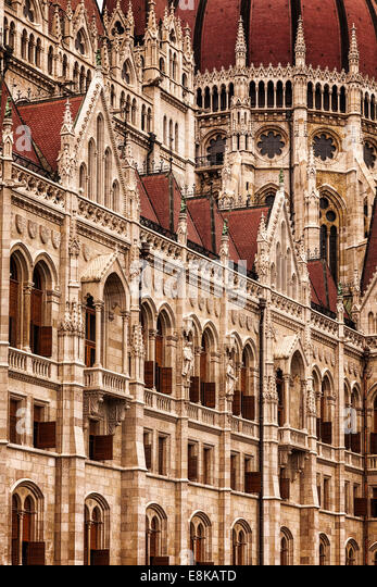Detail of the Dome of Hungarian Parliament Building,Kossuth Lajos square,Budapest,Hungary - Stock-Bilder