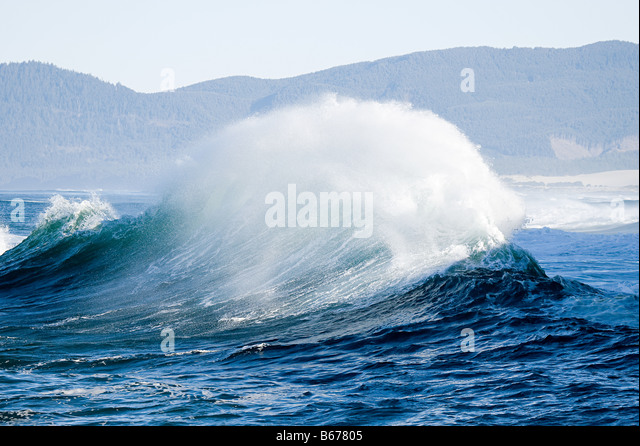 Large ocean wave - Stock-Bilder
