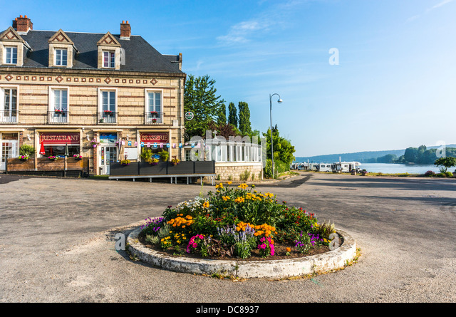 Aire sur stock photos aire sur stock images alamy for Camping haute normandie piscine