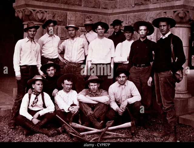 Group of Workers With Picks and Shovels, Circa 1890 - Stock-Bilder