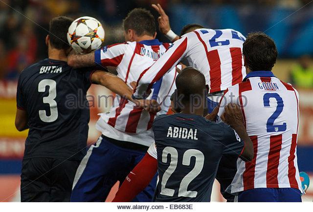 SPAIN, Madrid: Atletico de Madrid's Croatian forward Mario Mandzukic scores a goal during the Champions League - Stock Image