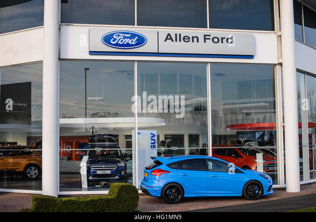 Ford dealer stock photos ford dealer stock images alamy for Suburban motors lima ohio