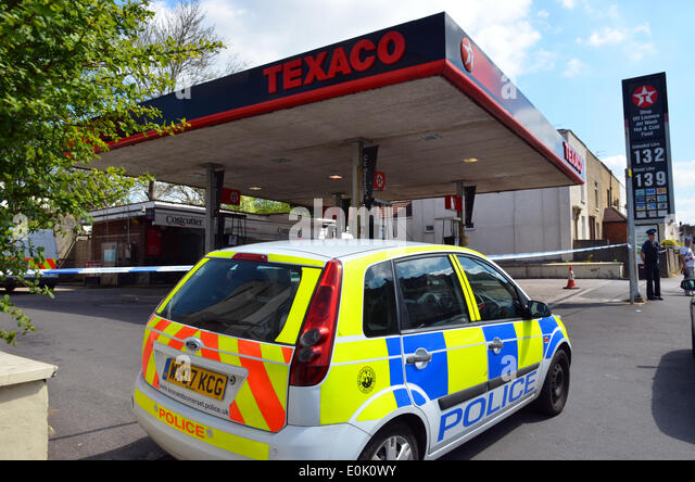 Forcourt stock photos forcourt stock images alamy for Garage autocash saint maur