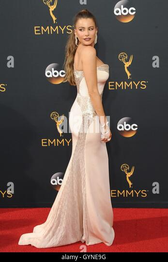 Los Angeles, CA, USA. 18th Sep, 2016. Sofía Vergara at arrivals for The 68th Annual Primetime Emmy Awards 2016 - Stock-Bilder