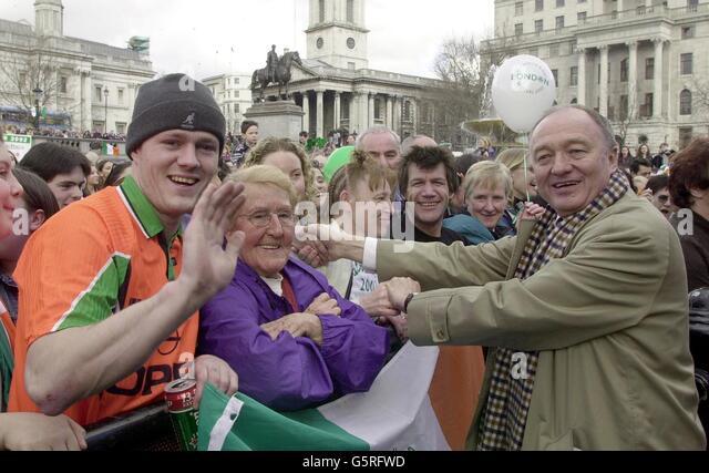 Shaking Hands Mayor Stock Photos Amp Shaking Hands Mayor