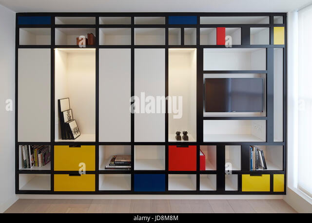 Spare room on 1st floor with Mondrian inspired bookcase. Notting Hill House, London, United Kingdom. Architect: - Stock-Bilder