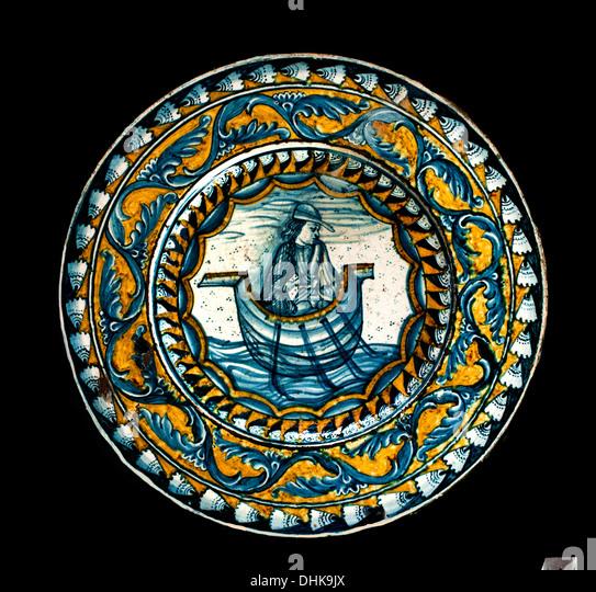 Plate Deruta XVI Century Italian majolica Italy decor Ornamental - Stock Image